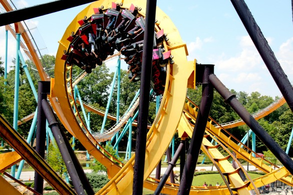 Debout dans les inversions, YOLO ! (photo : Six Flags)