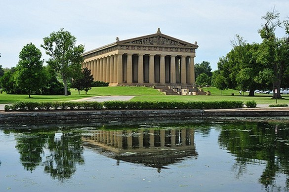 Un parthénon ? Serions-nous encore à Mt. Olympus ? Non, juste dans le Centennial Park de Nashville. (photo : Conservancyonline.com)